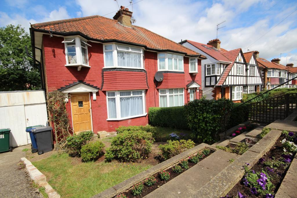 Farm Road, Edgware, Middlesex, HA8 9LR