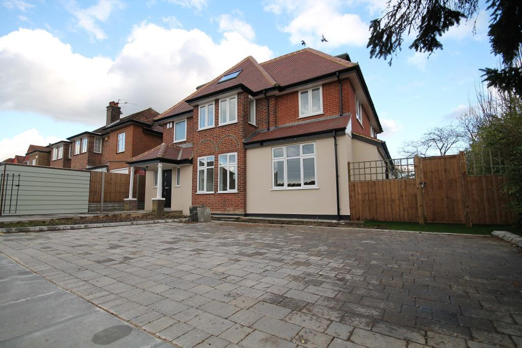 Edgwarebury Lane, Edgware, Middlesex, HA8 8LY