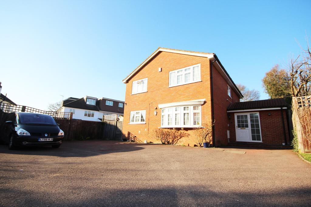 Sandbrook Close, Mill Hill, London, NW7 3PF