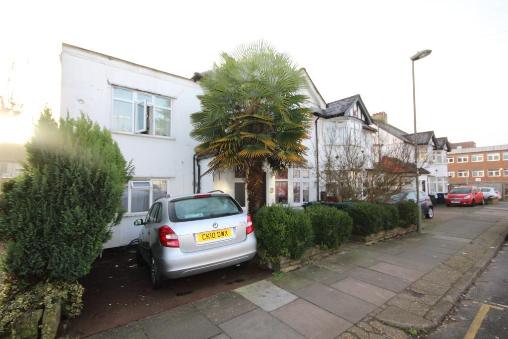 Grove Road, Edgware, Middlesex, HA8 7NW